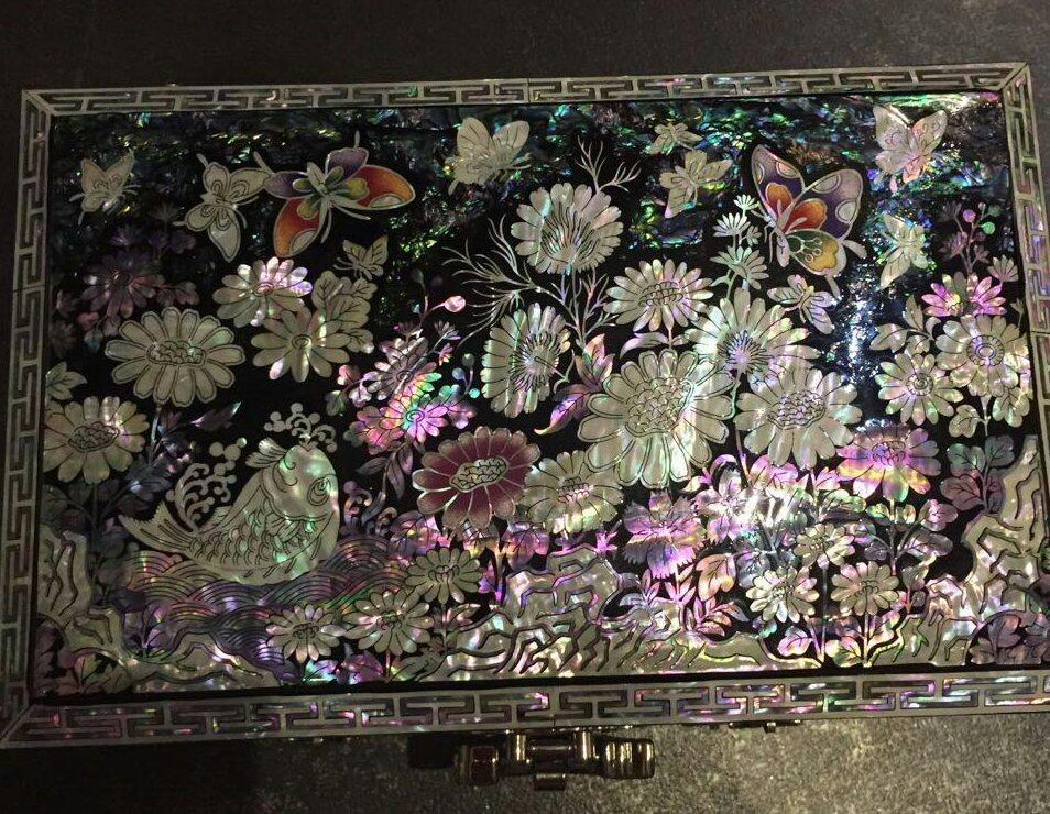Шкатулка-комод из перламутра Весенние цветы
