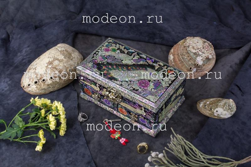 Шкатулка-комод из перламутра Черный павлин