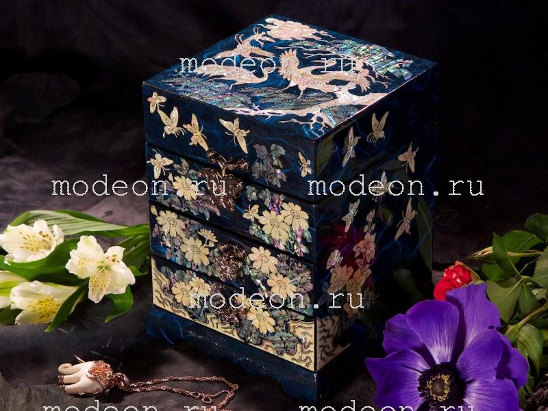 Комод из перламутра Цветы и журавли, синяя