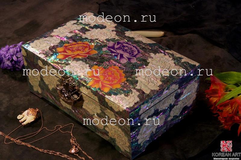 Шкатулка из перламутра Гигантские цветы