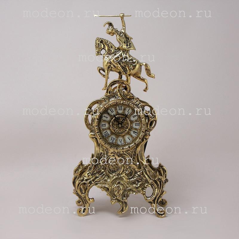 Часы каминные бронзовые Ласу Кавало