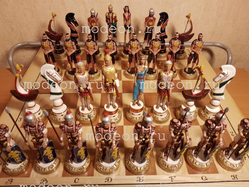 Шахматы на резной доске Римляне и турки
