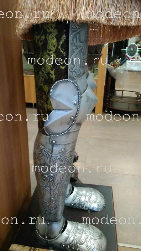 Рыцарь напольный металлический, с тумбой 200см