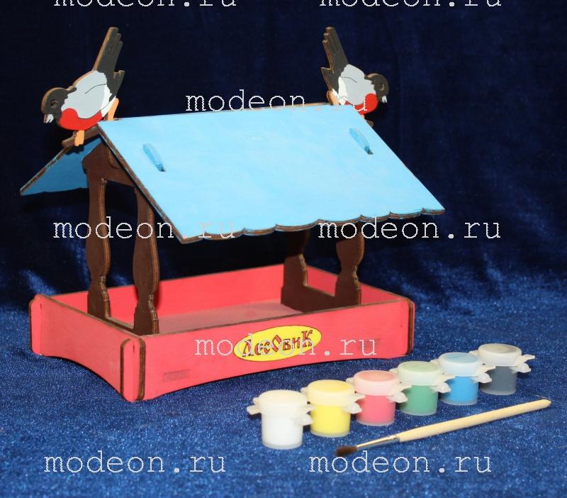 Деревянная кормушка для птиц Снегирь