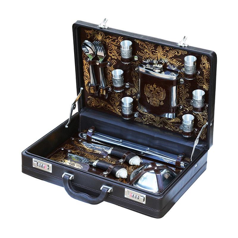 Элитный набор для пикника Аристократ в кейсе из натуральной кожи