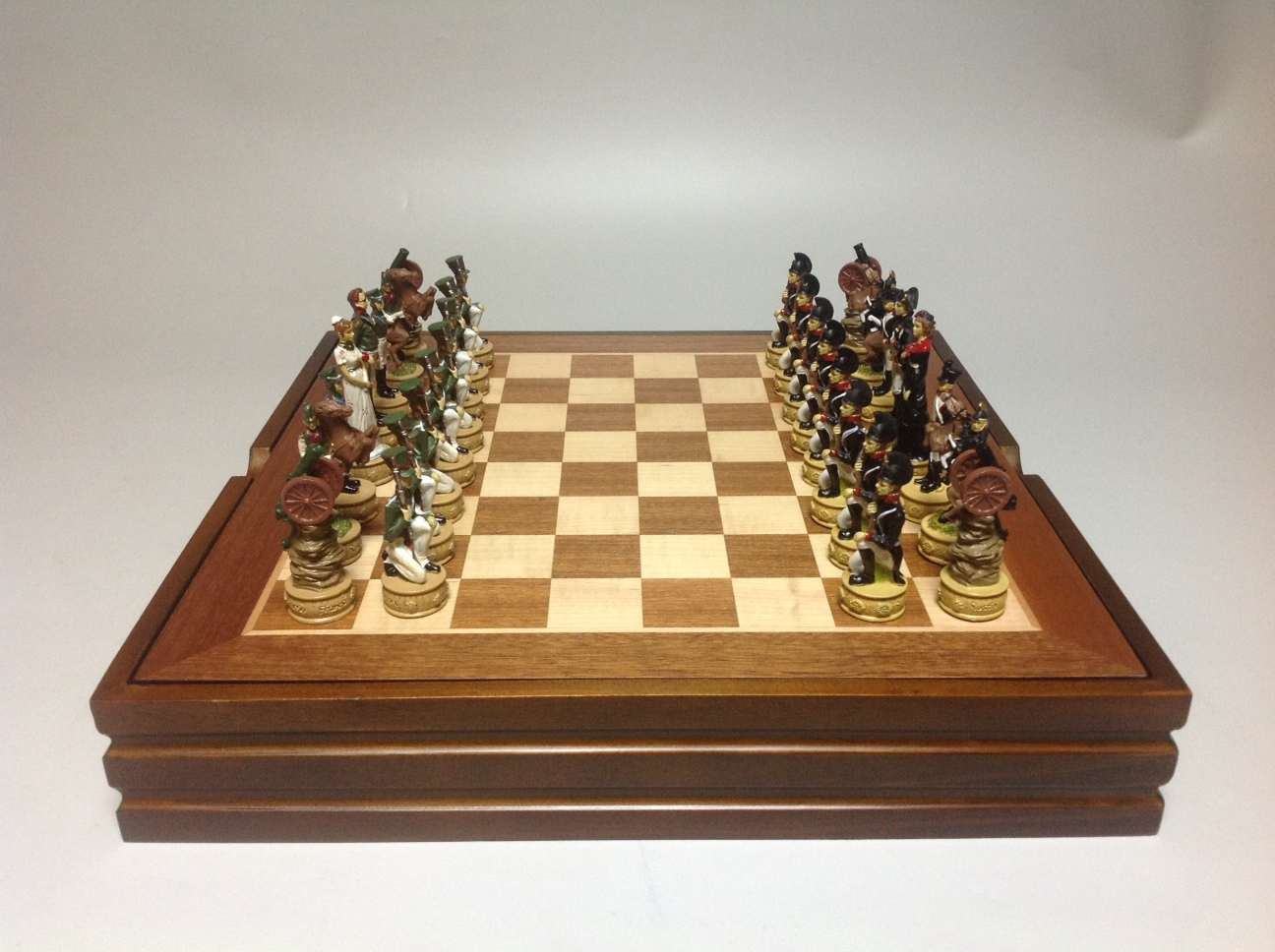 Шахматный ларец Наполеон и Кутузов, полистоун