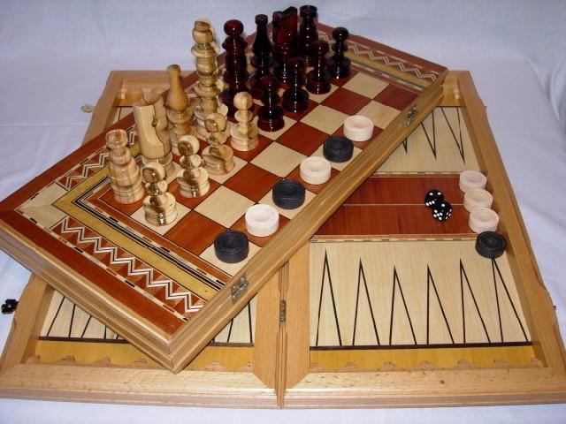 Шахматы, шашки, нарды. Графика малая.