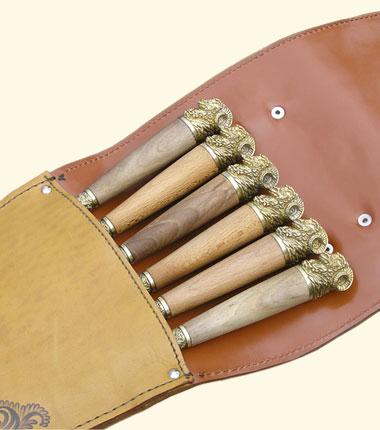 Шампура подарочные Барашек в колчане из натуральной кожи.