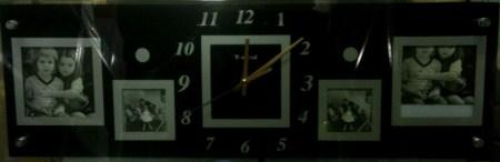 Часы с фоторамками 2+2