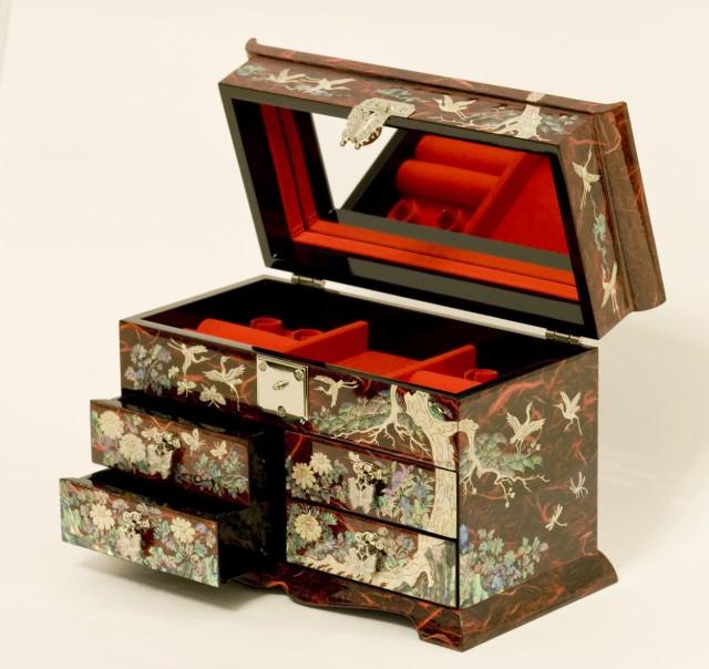Комод для украшений Luxury red