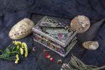 Шкатулка-комод из перламутра Черный павлин.