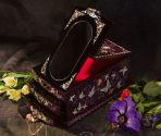 Шкатулка из перламутра с зеркалом Чаровница, фиолетовая.