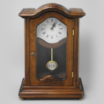 Настольные часы с маятником и дверцей Клаудия.