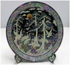 Тарелка перламутровая Птицы в лесу.